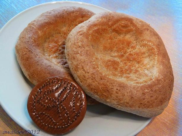 Tashkent Non (Uzbeki Bread)