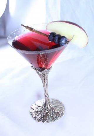 Harvest Spirits July4th Raspberry White & Blueberry Cocktail