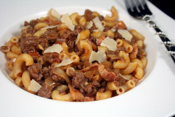 Hamburger Pasta With Cheese and Bacon
