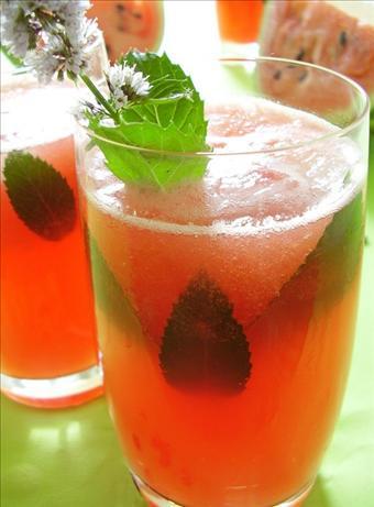 Agua Fresca de Melon (Watermelon Sparkling Water)