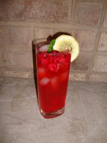 Herbal Brainstorm Rosemary-Raspberry Lemonade