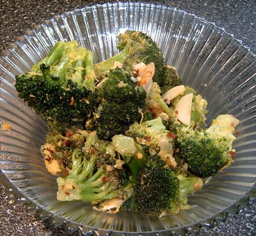 Broccoli With Garlic and White Wine
