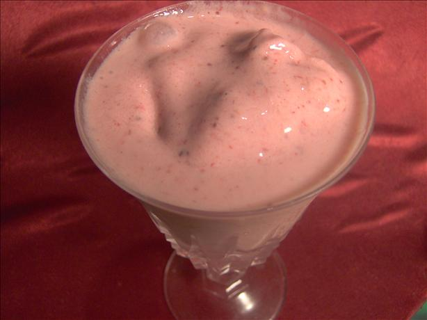 Delicious Creamy Strawberry Milk Shake