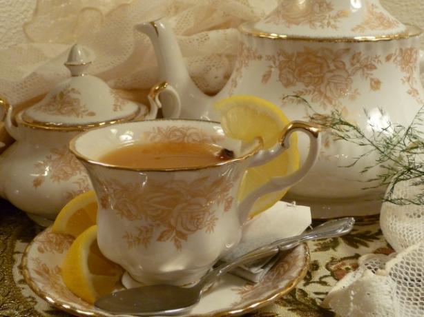 Hot Spiced Apricot Tea