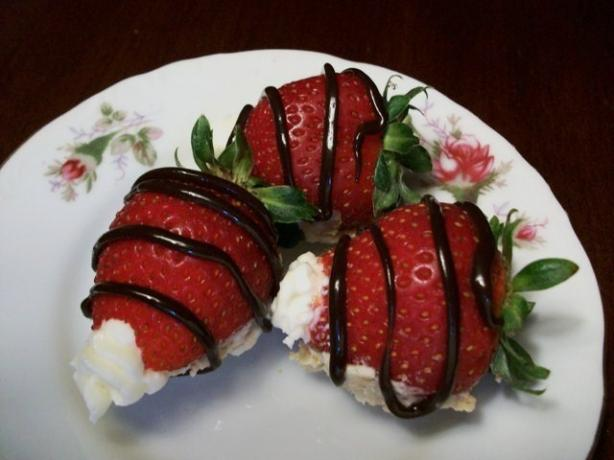 Strawberry Cheesecake Bon Bons