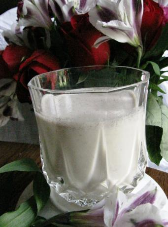 Easy Peasy Cold Buttered Rum Milkshake