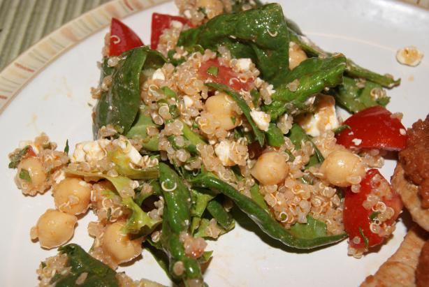 Quinoa, Garbanzo & Spinach Salad W/ Smoked Paprika Dressing