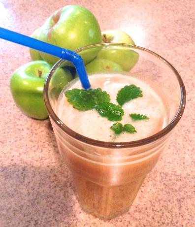 My Huge-Mongous Pumpkin Smoothie (Healthy, Low Cal)