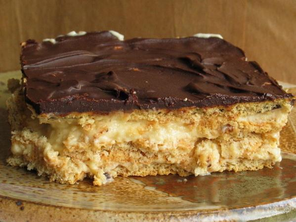 Easy Peanut Butter & Chocolate Eclair Dessert