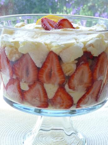 Strawberry-Lemon Angel Food Trifle