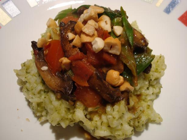 Portobello Curry With Green Rice