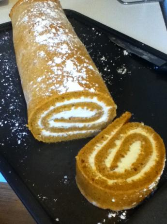 Mom's Simple Pumpkin Roll