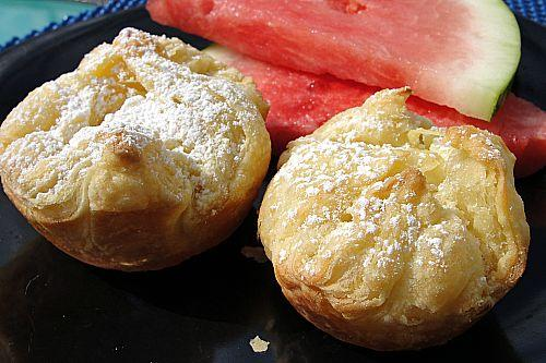 Pastry Puffs W/Sweet Cheese Filling