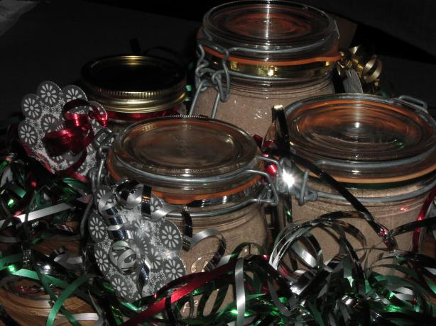 Creamy Hot Chocolate Mix in a Jar (For Gift-Giving)