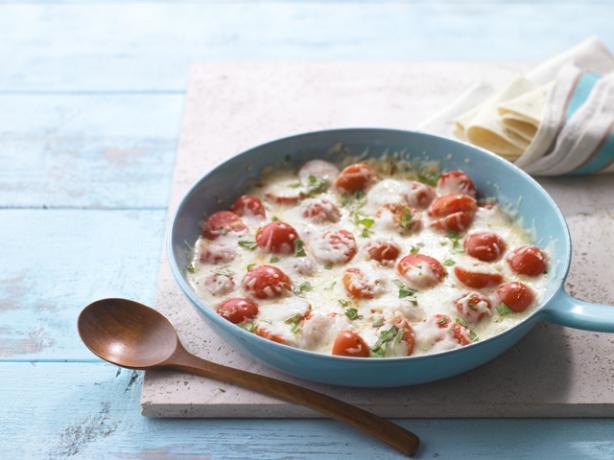 Tomato-Basil Queso Fundido