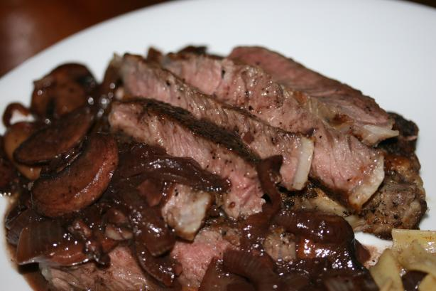 Rib-eye steaks with merlot-mushroom melange