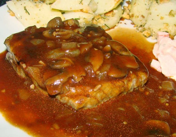 Mushroom and Wine Steak Sauce