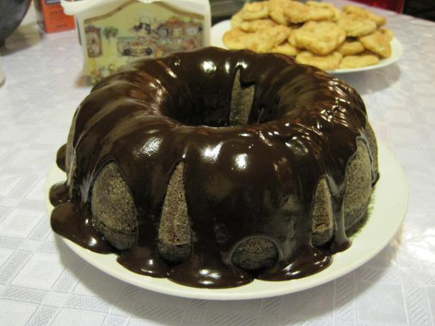 Amazing Solan Family Chocolate Cake (Aka 3-Hole Cake)