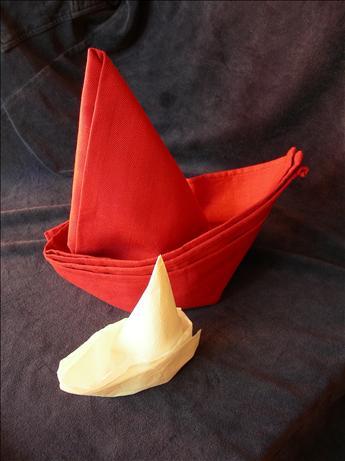 Serviette/Napkin Folding, Elegant Sail