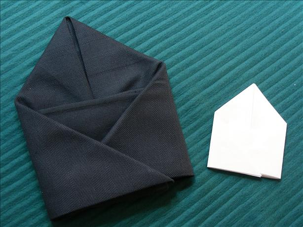 Serviette/Napkin Folding, Another Pocket Fold
