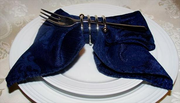 Bow Fold -- Serviette/Napkin Folding