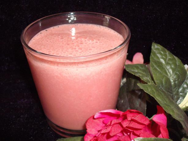 Strawberry Smoothie With Hint of Chocolate