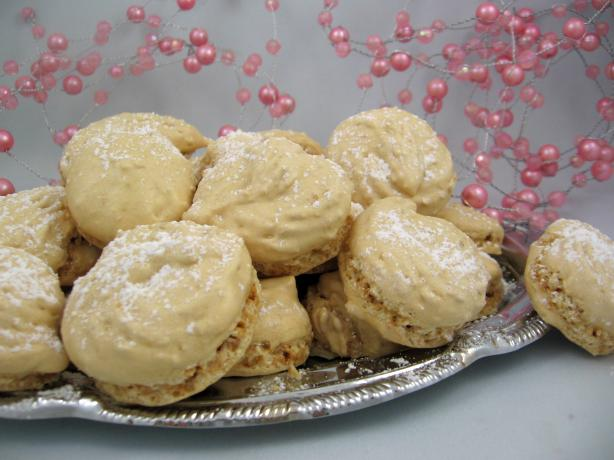 Easy Sugar-Dusted Amaretti Biscuits