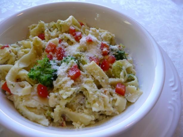 Festive Broccoli Fettuccine Au Gratin