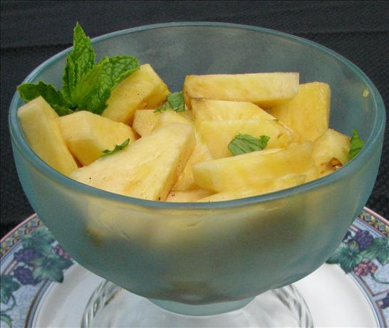 Pineapple in Port (Ananas Em Porto Com Hortela Picada)