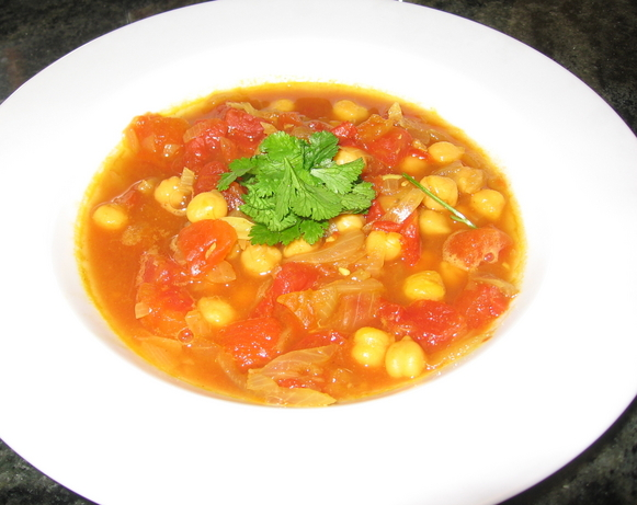 Chickpea and Tomato Soup (Shawrbat An-Nikhi)