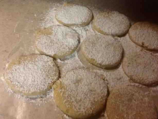 Pastissets (Powdered Sugar Cookies from Spain)