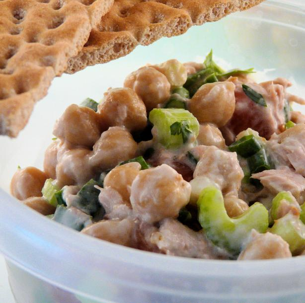 Garbanzo Bean Salad With Tuna and Creamy Lemon Dressing
