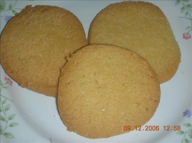 Crisp Butter Cookies (Refrigerator Cookies)