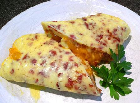 Bacon Cheddar Rolled Omelet