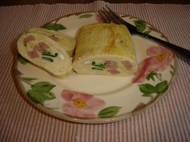 Tamagoyaki With Green Onions and Ham
