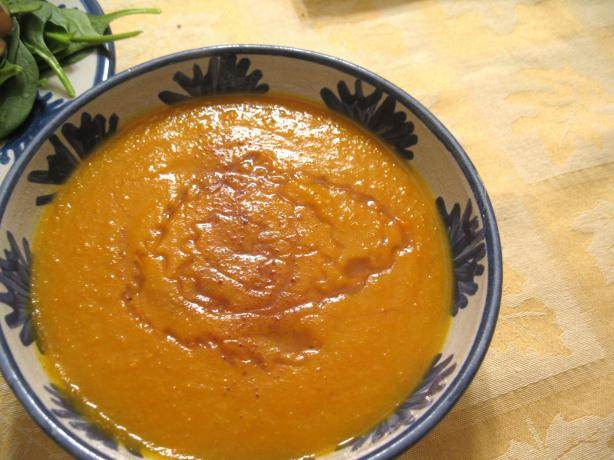 Crock Pot Carrot Soup With Honey and Nutmeg