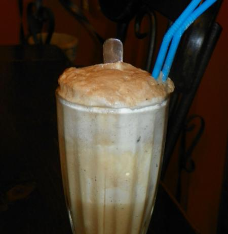 Vaca Preta (Coke With Vanilla Ice Cream)
