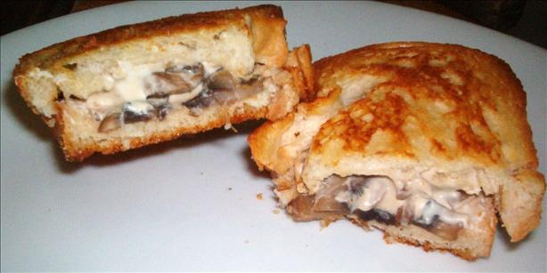 Diane's Low Fat Mushroom Sandwiches and Sauce