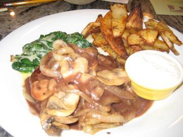 Burgers Au Poivre With Potato Wedges