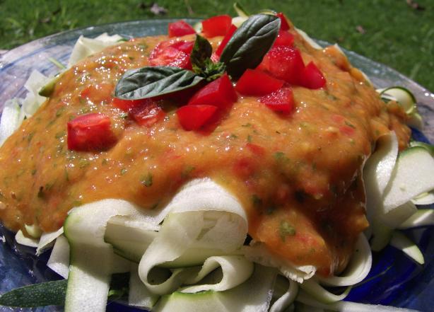 Sweet Marinara over Zucchini (Raw Vegan)