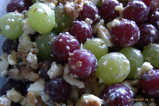 Grape Salad With Walnuts and Bleu Cheese