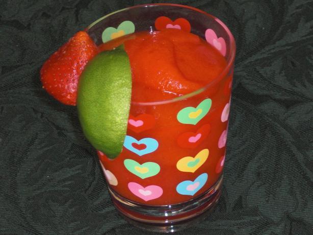 Rachael Ray's Fresh Strawberry Marg-alrightas Margaritas