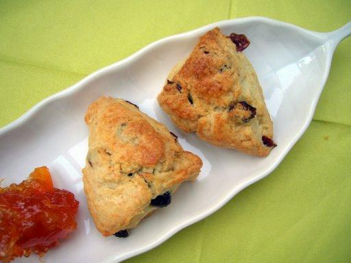 Eggless Tender Flaky Scones