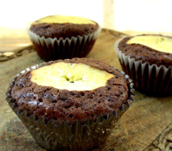 Chocolate Cupcakes With Cheesecake Centers