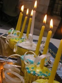 Hanukkah Cupcakes Menorah