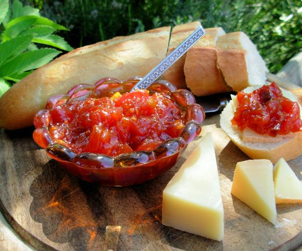 Saffron Tomato Relish
