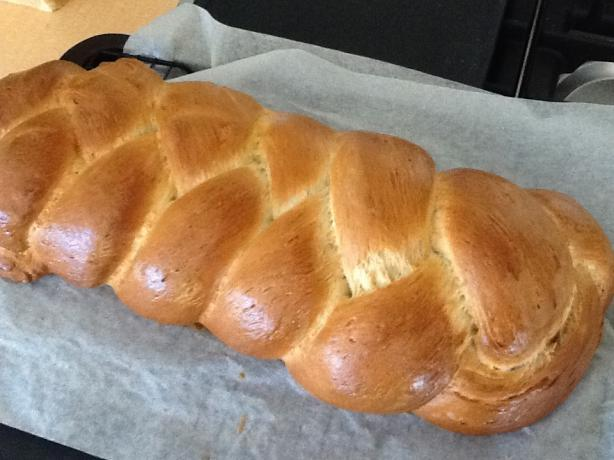 Challah I (Braided Egg Bread)