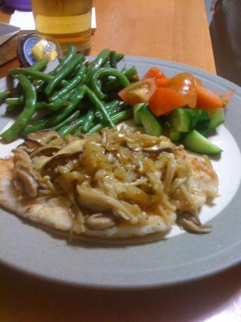 Chicken With Japanese-Style Mushroom Sauce