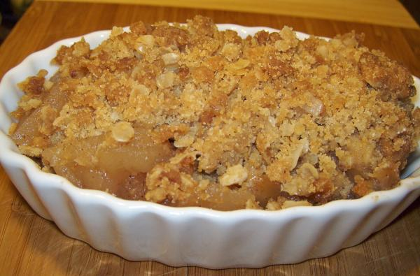 Cinnamon Oatmeal Apple Crisp