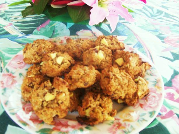 Oatmeal-Fruit-Nut Bars (From Sara Snow)